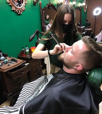 Barberlady Andy